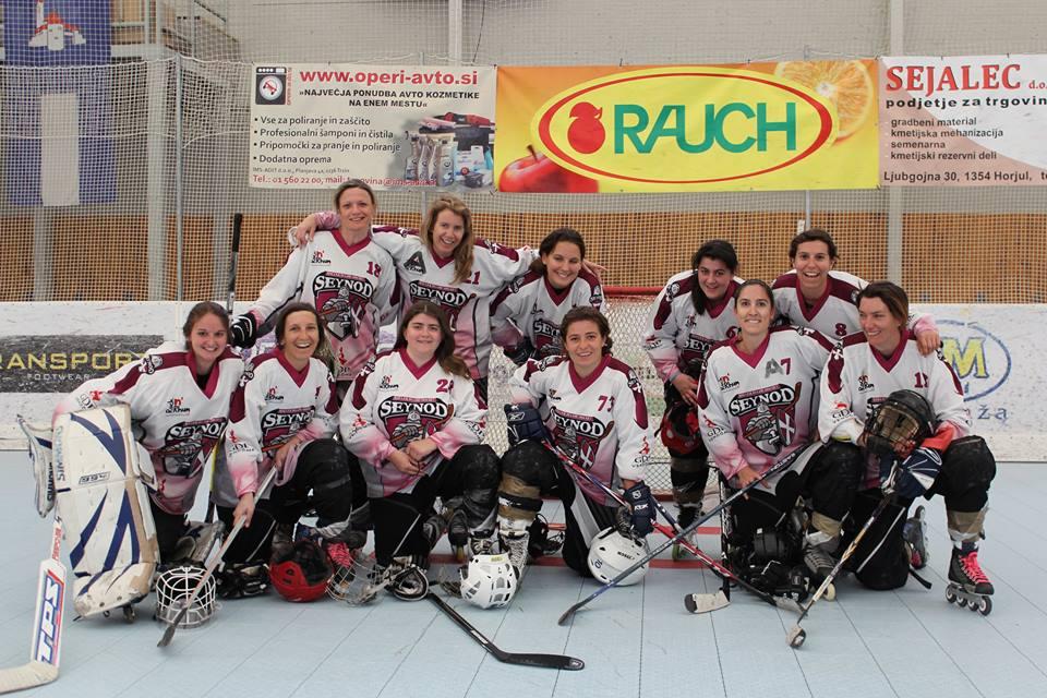 Tournoi en Slovénie pour l'équipe féminine de Seynod. Photo © Jake Babe
